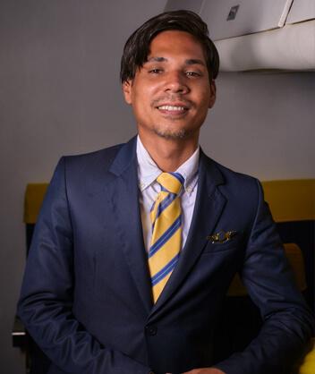 Arturo Hernández DIRECTOR DE OPERACIONES - INSTRUCTOR